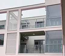 Neubauprojekt mit feuerverzinktem Geländer