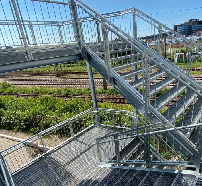 Massive Stahltreppe im Aussenbereich