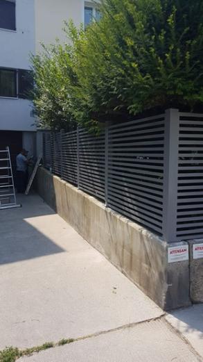 Schlicht und modern: Zaun